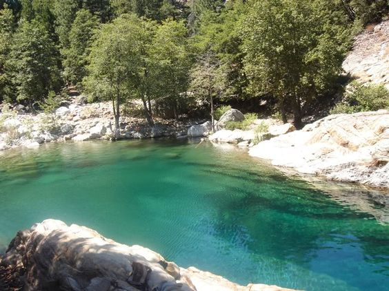 Cliff jumping: Emerald Pool in Yuba, CA - Go on the way to Chico,