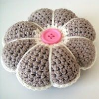 Crochet Flower Pincushion Pattern : Flower pincushion. Pattern here http://www.hookedonneedles ...