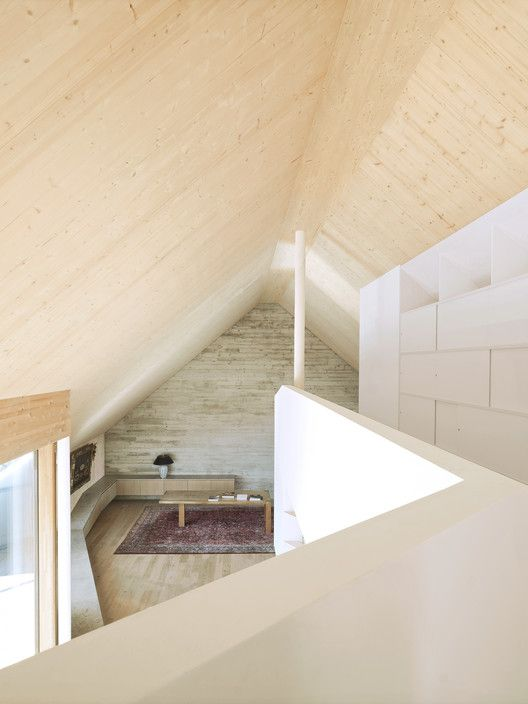 Gallery Of Roof Extension Maxvorstadt R11 Pool Leber Architekten 6 In 2020 Roof Extension Timber Structure Interior Spaces