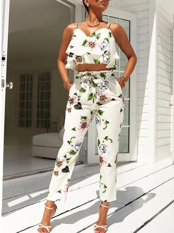 Stylish Flounced Spaghetti Strap Floral Cropped Twinset