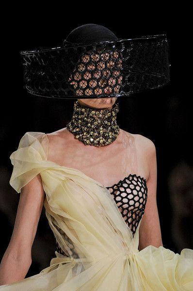 Alexander McQueen Spring 2013 - Details