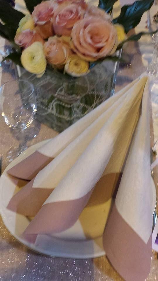 mariage romantique avec cette serviette robe pliage de serviettes par inoubliable pinterest. Black Bedroom Furniture Sets. Home Design Ideas
