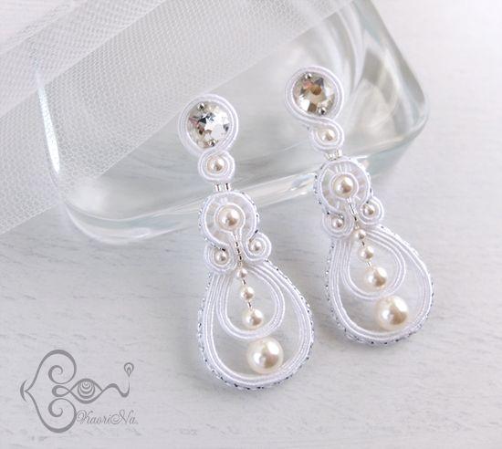"""ソウタシエ・イヤリング """"Wedding Bell"""" earrings by KaoriNa."""
