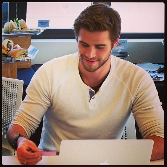 Image Gallery liam hemsworth instagram