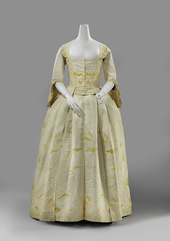 1740-1745 Gown