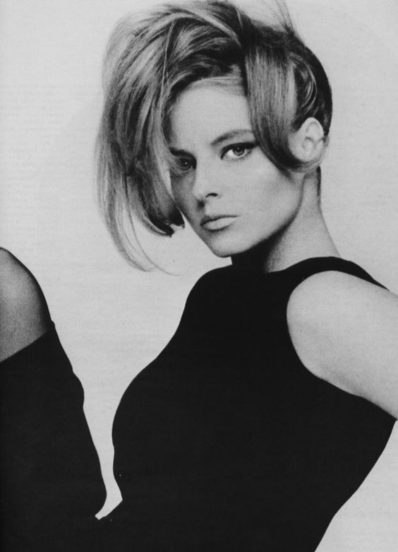This is the most beautiful pic of Jodie Foster I've ever seen! lOVE the makeup!