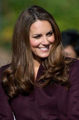 Kate Middleton distribui sorrisos em Newcastle