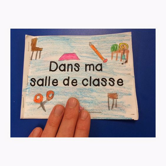 """""""Dans ma salle de classe"""" mini books - Primary French Immersion Resources. Practice classroom objects, numbers, and colours!"""
