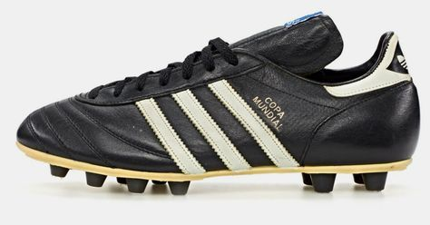 a history of adidas: classic football boots | Zapatos de