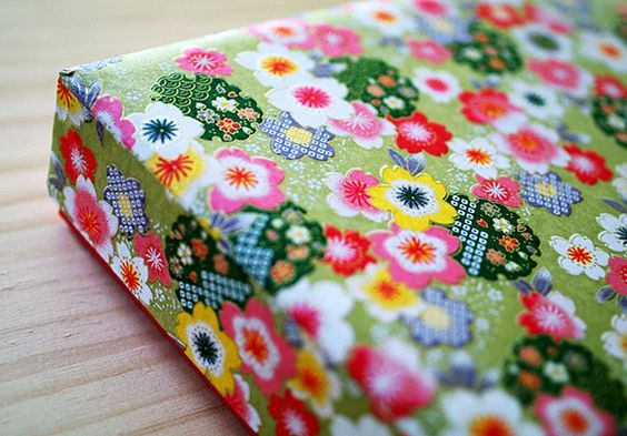 sakura box by karaku*, via Flickr: