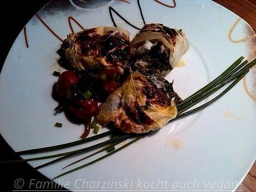 Gefüllte Weißkohlblätter - Familie Charzinski kocht auch vegan