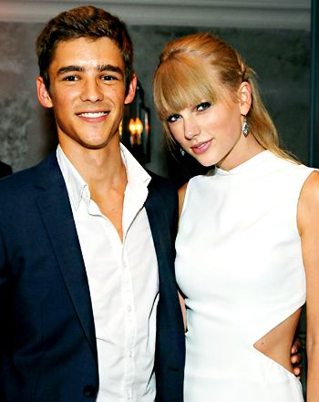 brenton dating Brenton thwaites and indiana evans dating in real life had stormed the entertainment news then but brenton thwaites and indiana evans breakup also spiraled up soon the rumors of brenton falling head over heels for taylor swift geared the gossips of brenton thwaites and taylor swift relationships.
