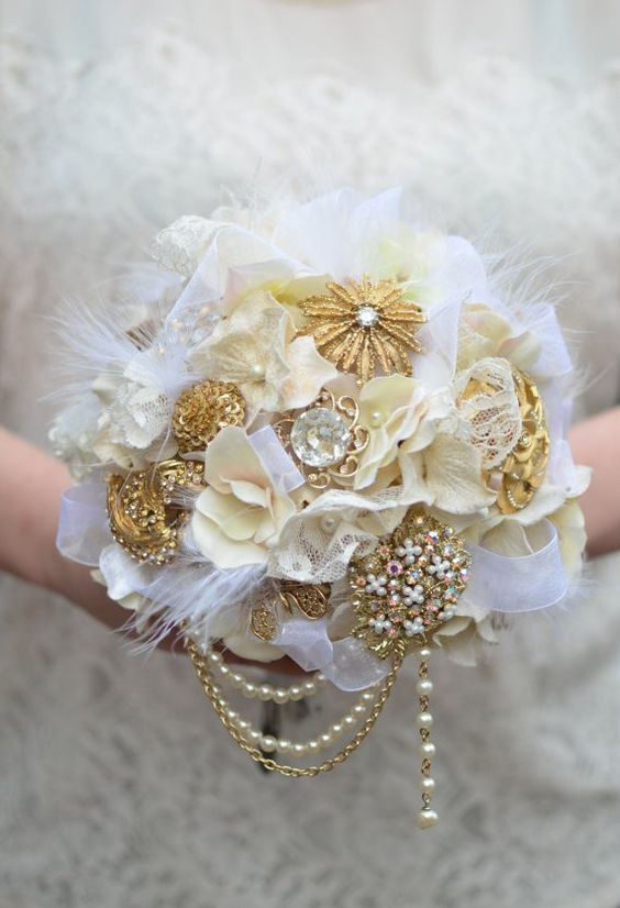 Brooches, Brooch bouquets and Alternative wedding bouquets ...