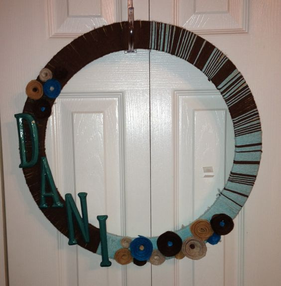 Yarn and felt rose wreath