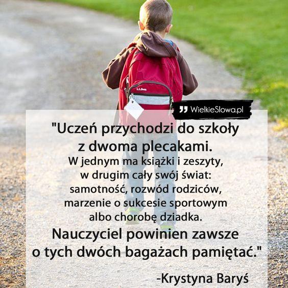 Uczeń przychodzi do szkoły z dwoma plecakami…