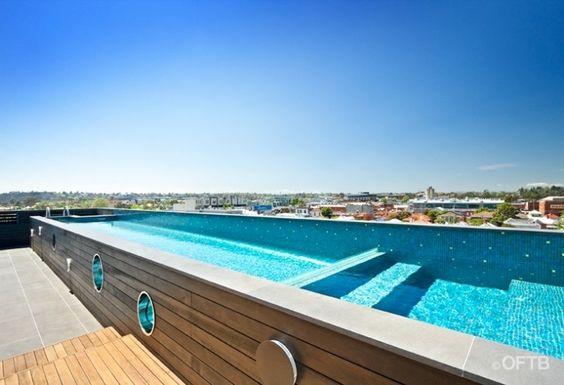 schmaler pool auf der dachterrasse bauen pool selber bauen pinterest schwimmb der. Black Bedroom Furniture Sets. Home Design Ideas
