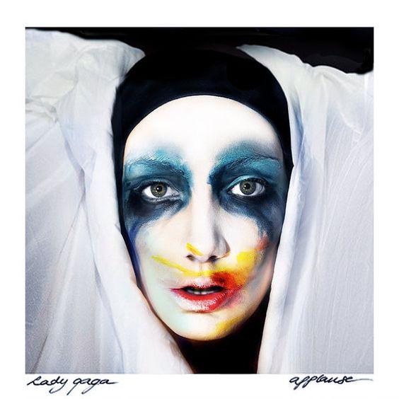 Lady Gaga – Applause (single cover art)
