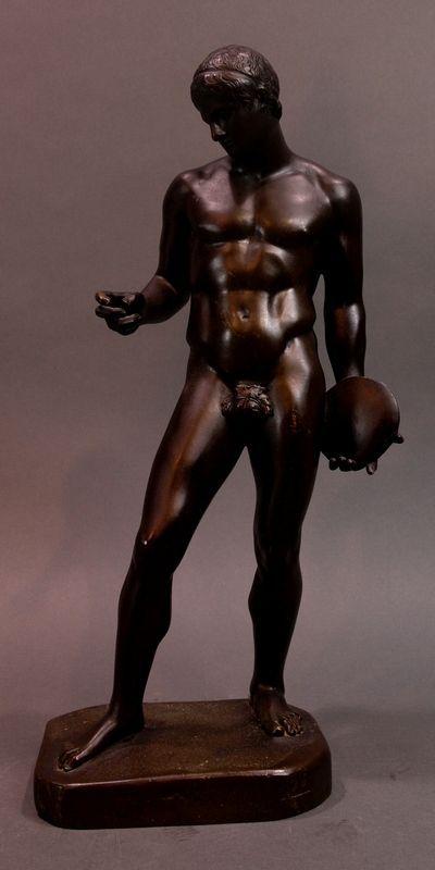 Bronze Diskuswerfer nach antiken Vorbild Bronzestatuette eines Diskuswerfers. Der Werfer steht auf e
