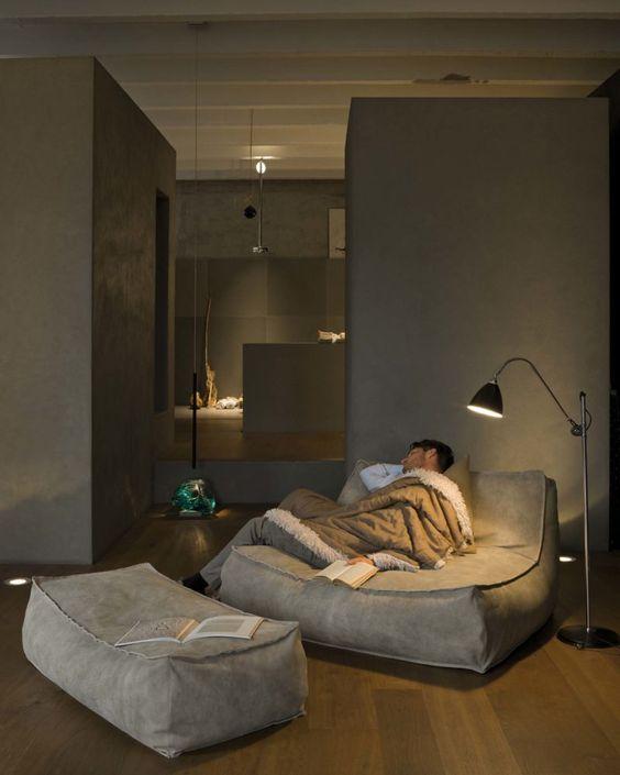 Zoe armchair - Verzelloni - Comfort armchair with an informal design