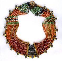 INDIA, Nagaland, collana di perline di vetro, osso, campanelle di bronzo./// naga necklace