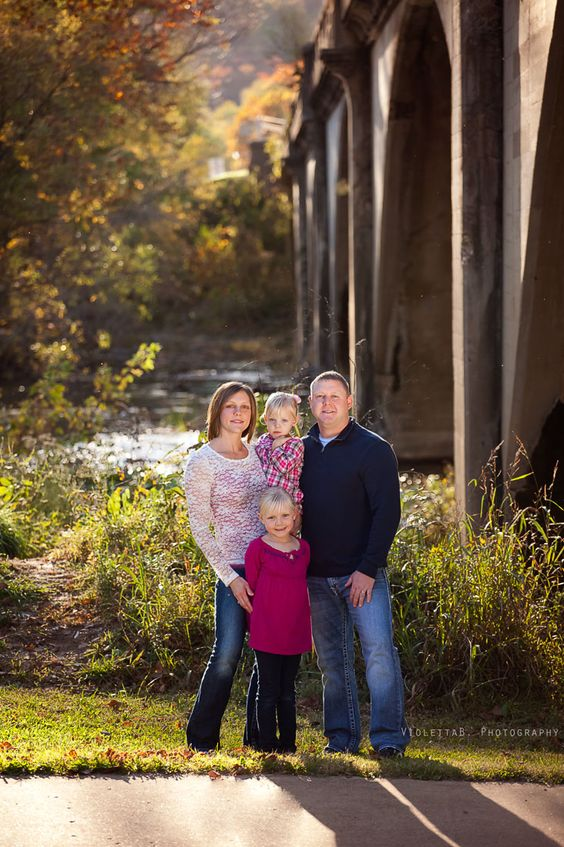 I met this beautiful family last year, and so it was a pleasure to photograph them for the second time. I am humbled and grateful to have my clients come back….Enjoy your sneak peeks B. family..:) » Central Missouri newborn, children and family portrait photographer | Violetta B Photography