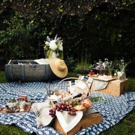 Pique-nique chic au jardin en été summer