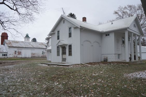 Stay In A Refurbished Old Railroad Station Houses For Rent In Parma Mi Near Michigan International Speedway Wineries Renting A House House House Styles