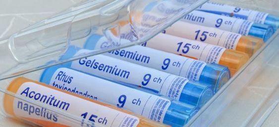 Constipation, allergie, grippe... Voici les remèdes homéopathiques à connaître en cas de besoins.