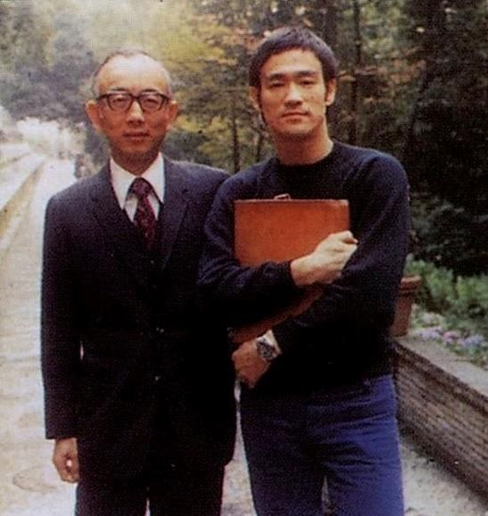 Raymond Chow with Bruce Lee.