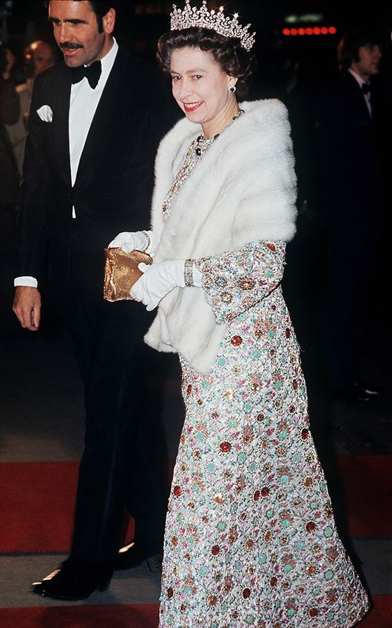 Now that is glamour: from the intricate pattern, to the fur and crown, theres not much else we can ask for!
