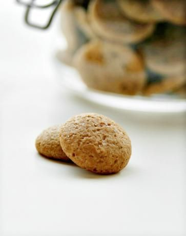 I'm going to make my own this year!! My childhood in a little Dutch biscuit! St Nicholas will be proud ;)