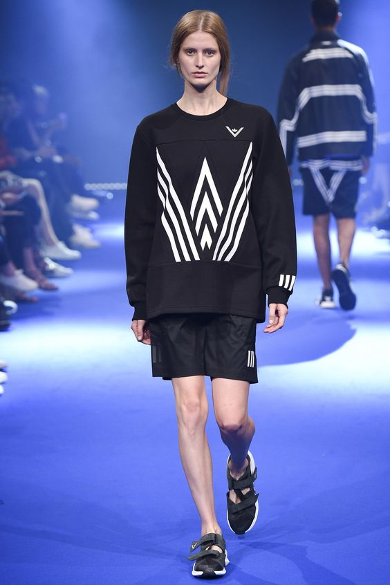 See the complete White Mountaineering Spring 2017 Menswear collection.