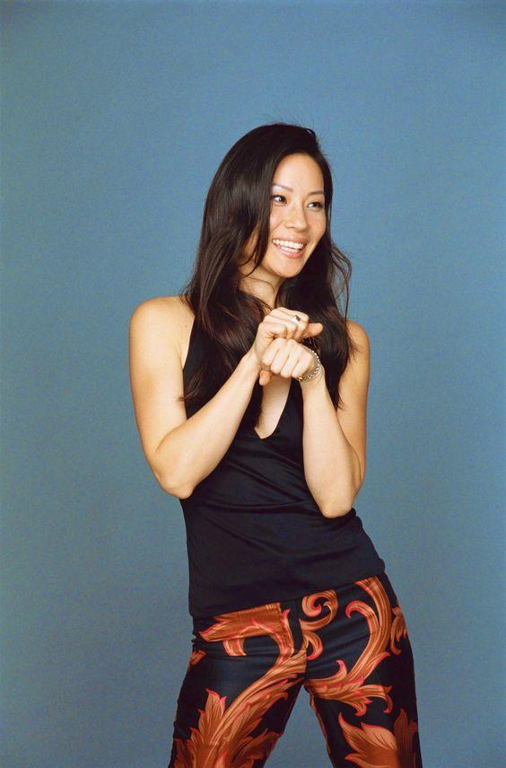 Stylishly chic and beautiful Lucy Liu