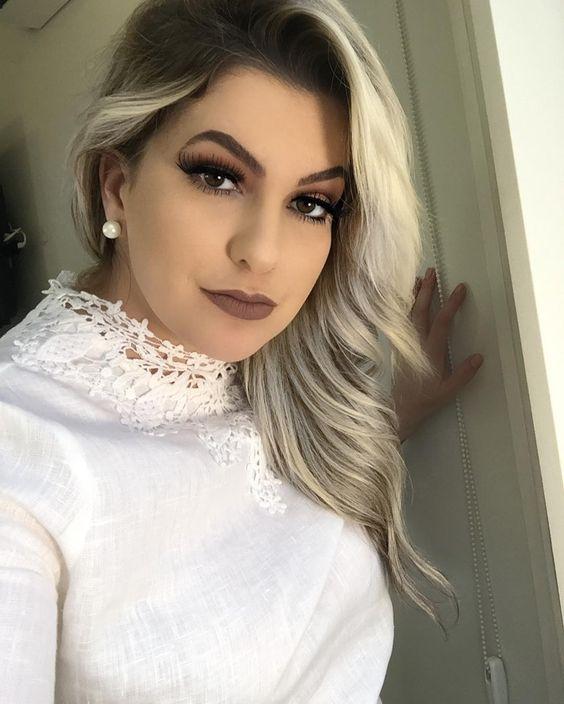 Oiêeee!!! Vamos bater um papo no YouTube hoje??? Vou entrar ao vivo às 20h. Espero vocês pra essa live!!! #alicesalazar #makeup #maquillaje #makeupartist #live #aovivo