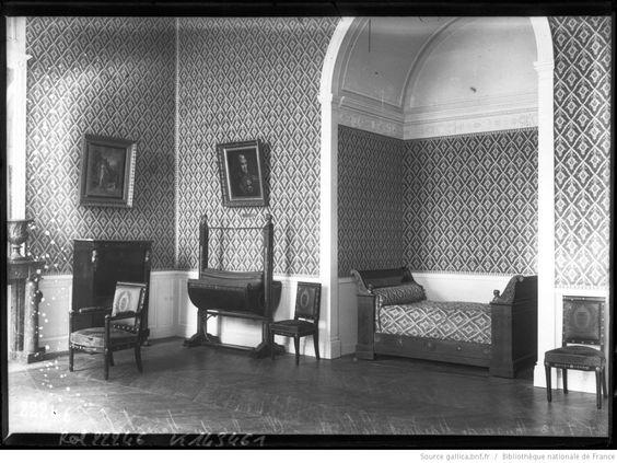 26-7-12, musée de Maisons-Laffitte, chambre du maréchal Lannes : [photographie de presse] / [Agence Rol]   Gallica