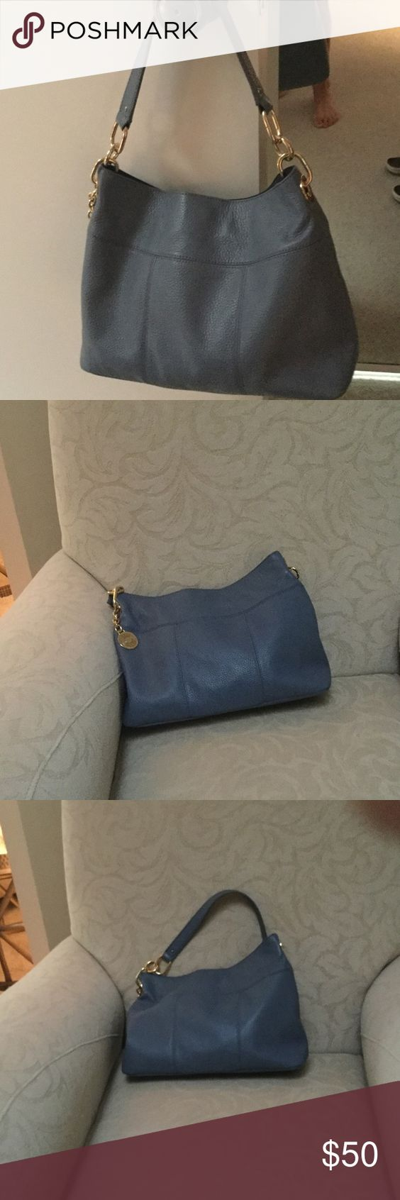 Tommy Hilfiger hobo bag Blue hobo style bag, only used 3 or4 times in like new condition Tommy Hilfiger Bags Hobos