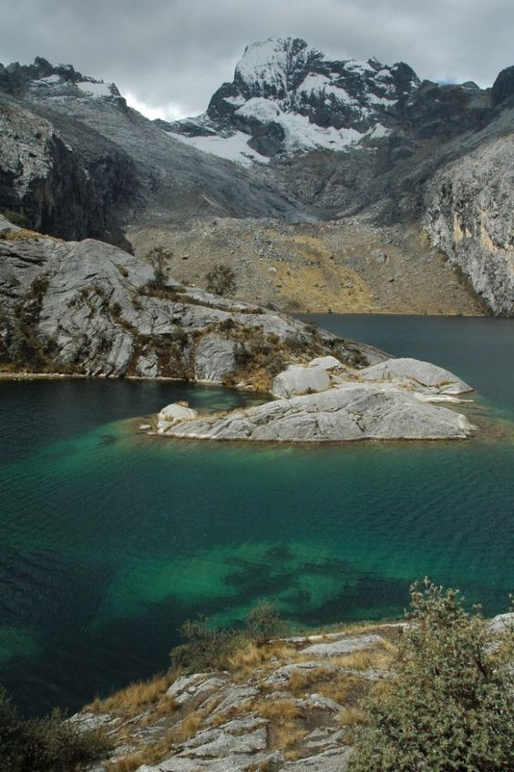 Gorgeous hike in Huaraz, Peru! The lakes in Peru are so beautiful and the hikes are so unspoiled. #travel #peru #hike #outdoors #inspiration