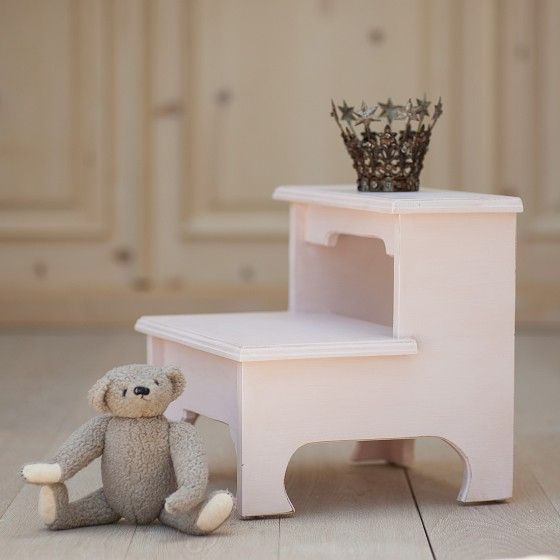 Sweet Pea Bed Step Stool