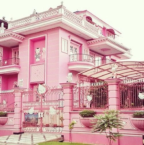 Where Is The Hello Kitty House Located. WTF: Photoshop Experts Hello Kitty -fy