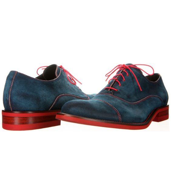 Color en la planta de los zapatos
