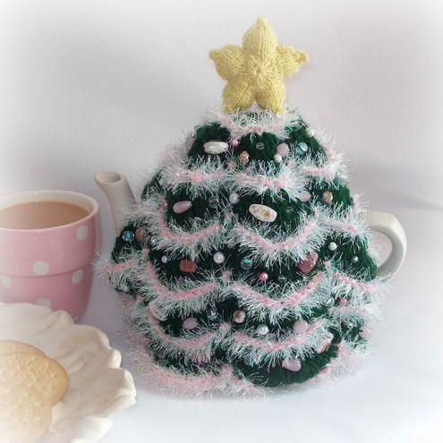 I NEED this Christmas tree tea cosy. I am not ashamed to release my inner granny!: