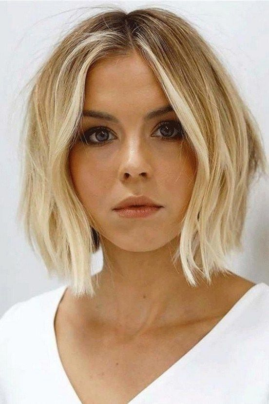 40 Best Medium Straight Hairstyle For Women In 2020 In 2020 Angled Bob Hairstyles Thick Hair Styles Hair Styles