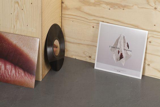 Plata Laus 2013   Dirección de arte en fotografía    Título: Mishima. L'amor feliç    Autor: Folch Studio    Cliente: Mishima