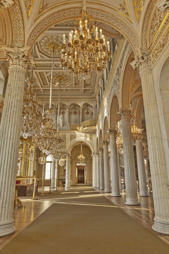 Hermitage Museum, Saint Petersburg | Russia)