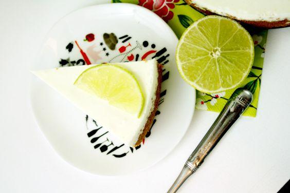 Half bake Lemon Cheesecake by http://babyrockmyday.com/half-bake-lemon-cheesecake/