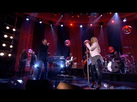 Christina Aguilera and Blake Shelton Perform 'Just a Fool'