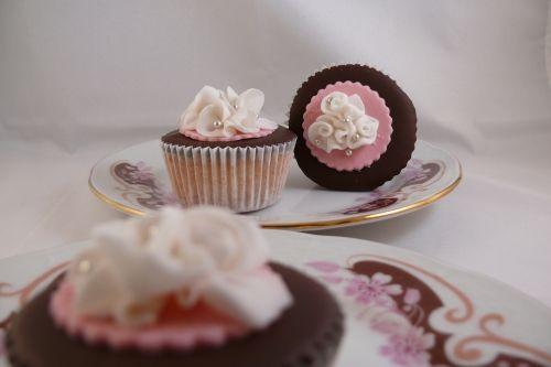 Klassieke cupcakes roze & chocolade