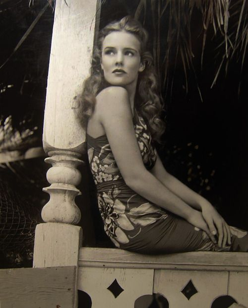 Lovely photo of Frances Farmer, 1930s, before the lobotomy. I don't think she was crazy at all. i think for her time, she was head-strong and went her own way, add drinking to the mix and everyone around her assumed she had to be crazy. Sad story...: