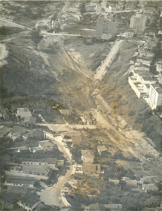 Construção da Avenida Sumaré, início dos anos 1970.