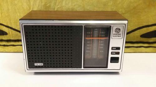 Vintage Retro 039 80s Am Fm Radio Ge General Electric Model 7 4115b Walnut Grain Vintage Kitsch Vintage General Electric